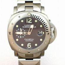 Panerai Luminor Submersible PAM00106 Mens Watch
