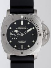 Panerai Luminor Submersible PAM00305 Mens Watch