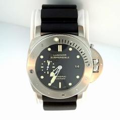 Panerai Luminor Submersible PAM00305 Automatic Watch