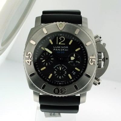 Panerai Luminor Submersible PAM00187 Mens Watch